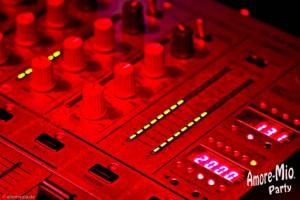 Musik und Hits aus den Clubs, Charts und Discotheken