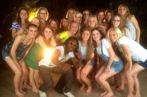 Toni mit Mädels